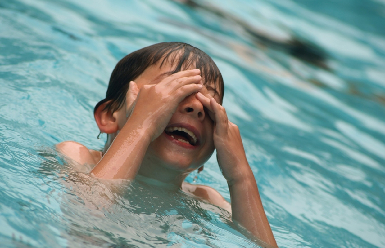 Swimming Pool Water Contamination : Don t drink the water diarrhea from swimming pools rising