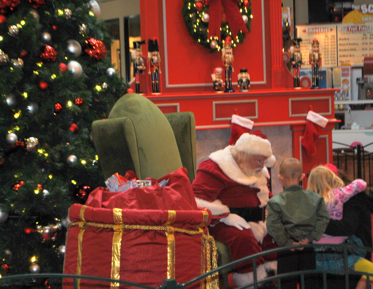 Santa pictures natick mall Cached