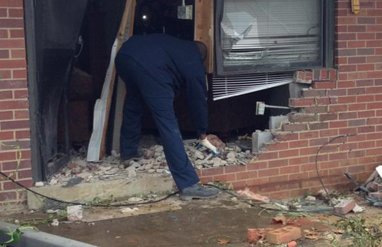 Shooting Suspects Identified In Crash At Summit Heights - Clarksville heights apartments