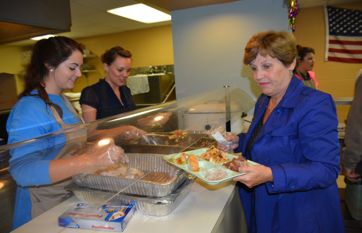 Loaves and fishes seeks sponsors for holiday food drive for Loaves and fishes volunteer