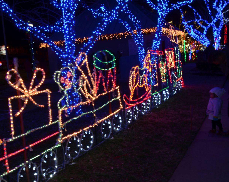 sc 1 st  ClarksvilleNow.com & Christmas on the Cumberland opens Nov. 24 | ClarksvilleNow.com azcodes.com
