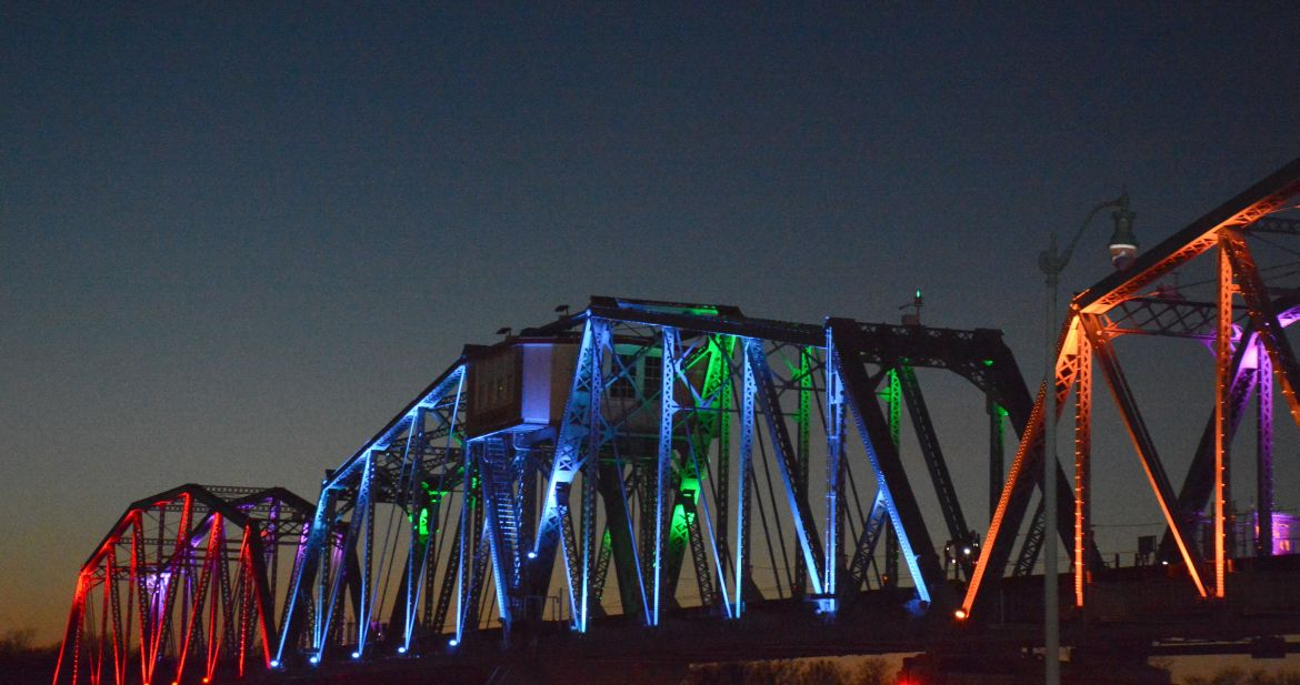 Rj corman bridge lighting ceremony clarksvillenow sciox Image collections