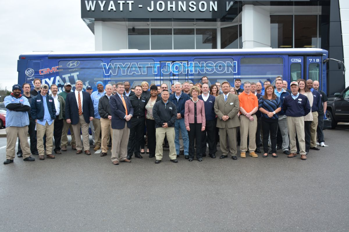 Wyatt Johnson Gmc >> Wyatt Johnson Unveils Cts Bus Clarksvillenow Com