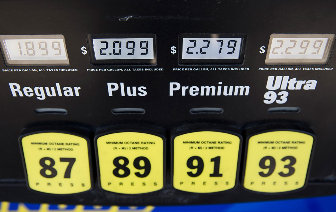 aaa gas prices going down after pipeline leak. Black Bedroom Furniture Sets. Home Design Ideas