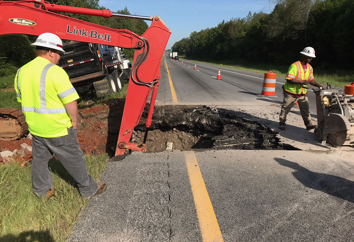 Tonight Is Last Night For Alternate >> Sinkhole causes delays on I-24 westbound | ClarksvilleNow.com