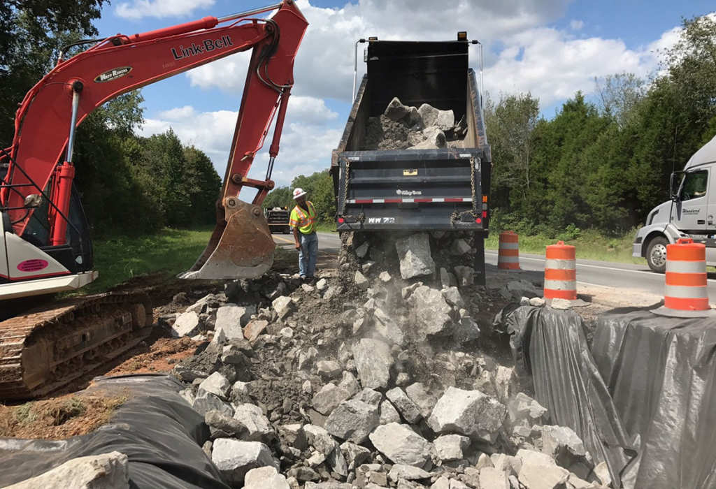 Tonight Is Last Night For Alternate >> Sinkhole causes delays on I-24 westbound   ClarksvilleNow.com