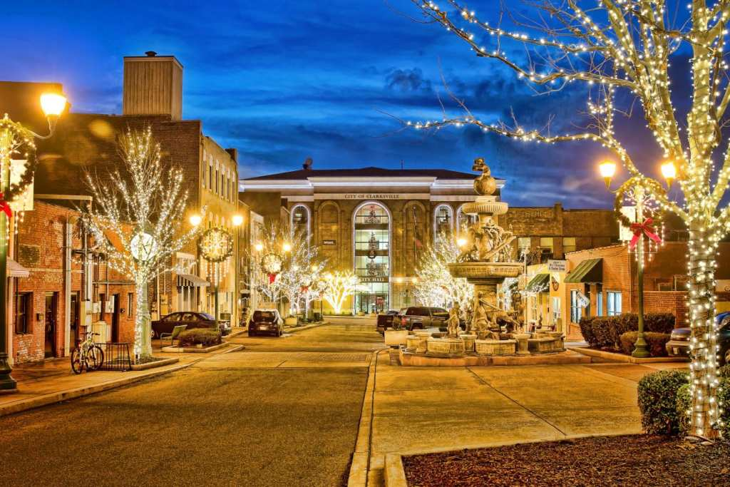 Christmas Town.Catch The Holiday Spirit In Clarksville The State S Most
