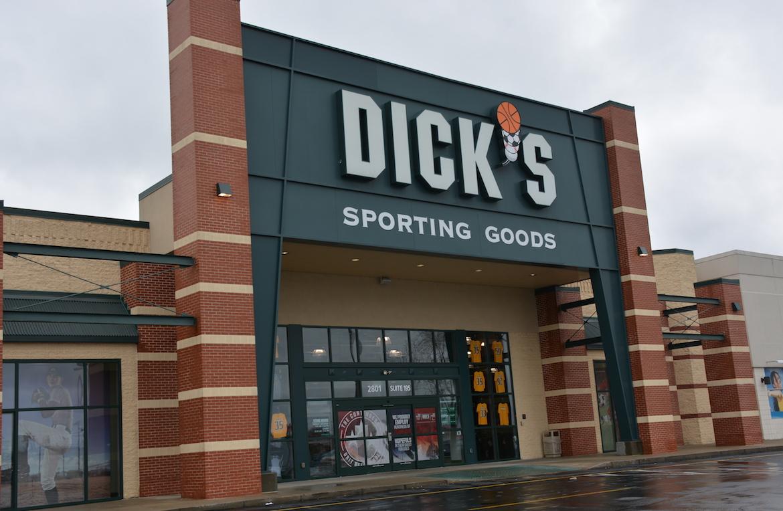 sorting goods s Dick