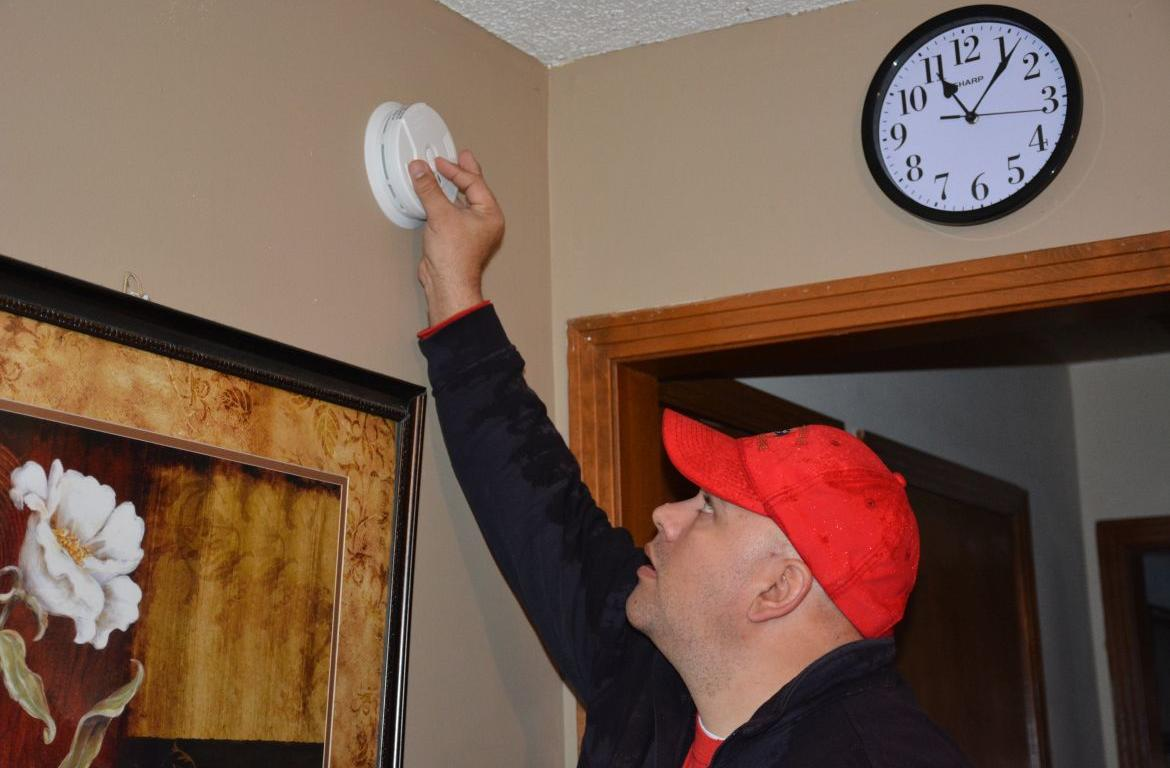 Fire commissioner reminds residents to change smoke alarm batteries