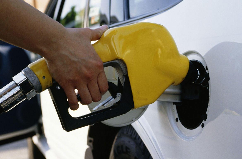 TN gas prices sink to 25-month lows | ClarksvilleNow com