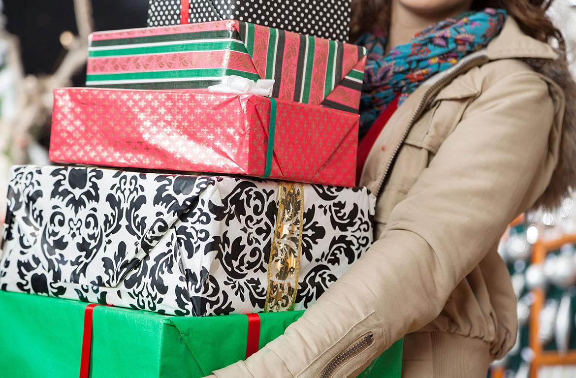 Last-minute shoppers hit the stores on Christmas Eve