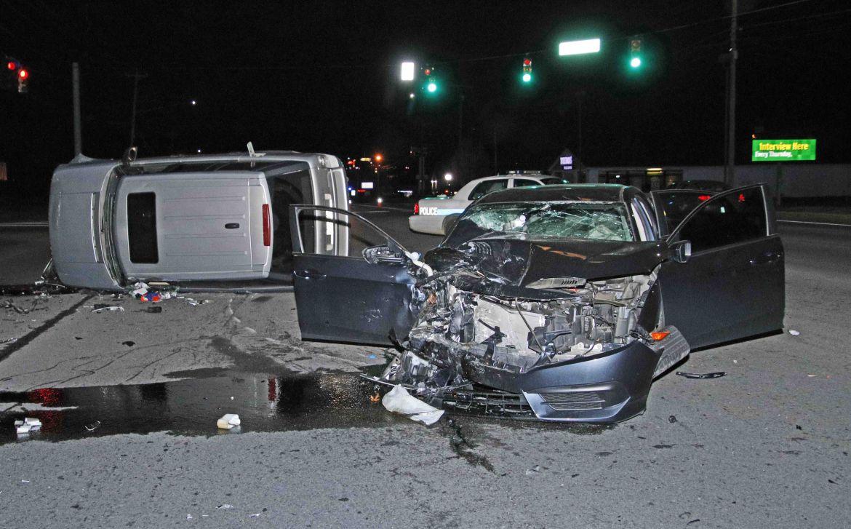 Clarksville police: Mother killed, 2 people injured in crash on Fort
