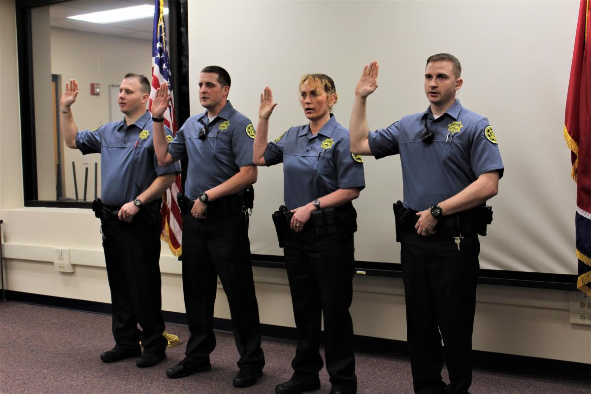 Five Officers Complete FTO Program With Sheriffs Office