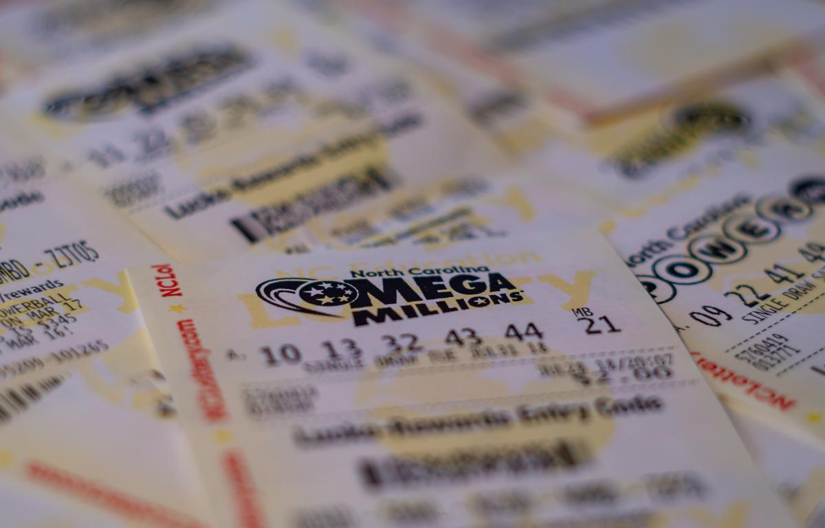 Single ticket wins a $530 million jackpot